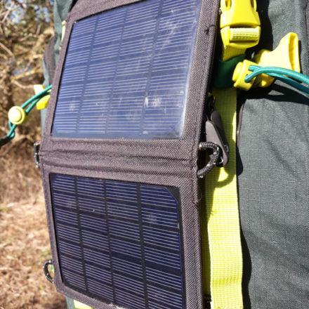 Comment choisir le meilleur chargeur solaire de randonnée