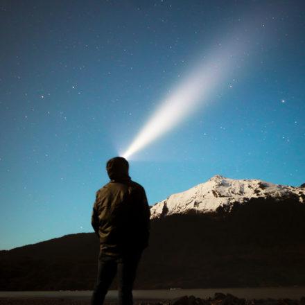 Comment choisir la Meilleure Lampe Frontale pour la randonnée