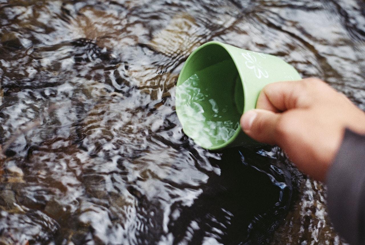 Les solutions ultimes pour avoir de l'eau pendant votre randonnée