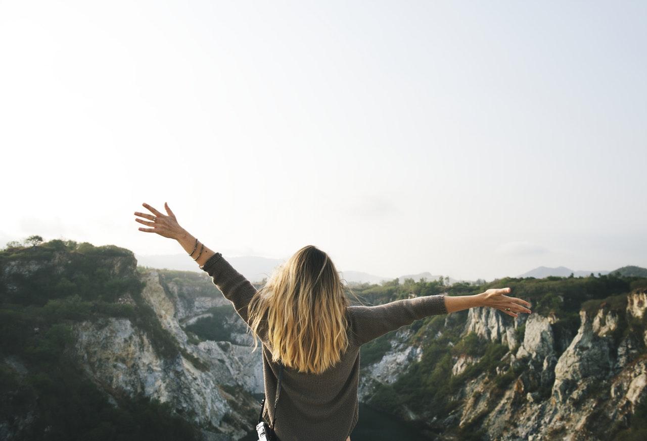 SPÉCIAL FEMME : Comment débuter en randonnée – (FAQ)