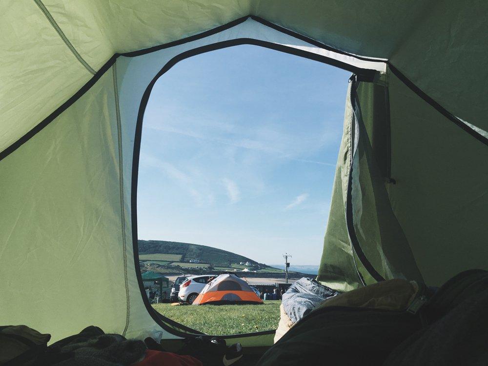 12 conseils pour rester au chaud dans une tente – (NUIT CONFORTABLE)