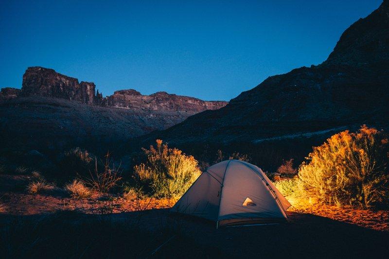 8 Conseils pour une bonne nuit à l'extérieur – (DORMIR PLUS INTELLIGEMMENT)