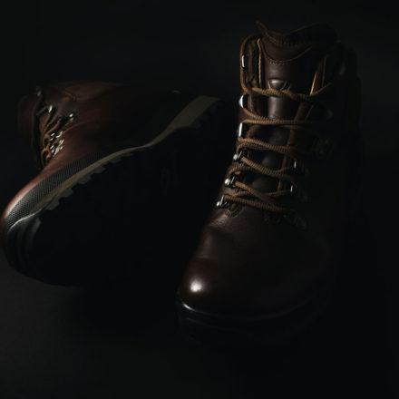 Comment BIEN choisir vos chaussures de randonnée – (GUIDE ULTIME)