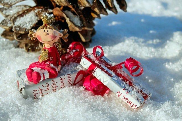 80 idées de cadeaux pour les skieurs et les snowboardeurs