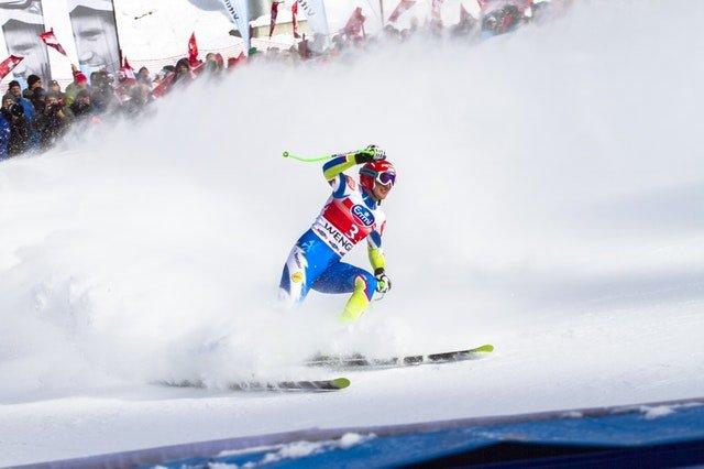 Comment S'arrêter En Skis : Guide des débutants